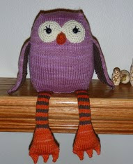 http://www.ravelry.com/patterns/library/lucys-owl