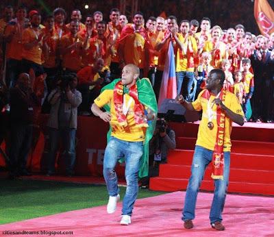 Felipe Melo & Emmanuel Eboue Championship Dance