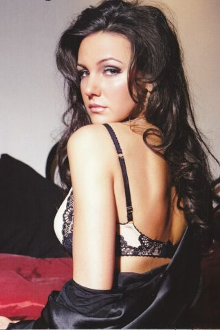IPhone Michelle Keegan. Download Wallpaper