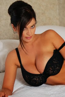 hot and sexy photo gallery for all over the world denise