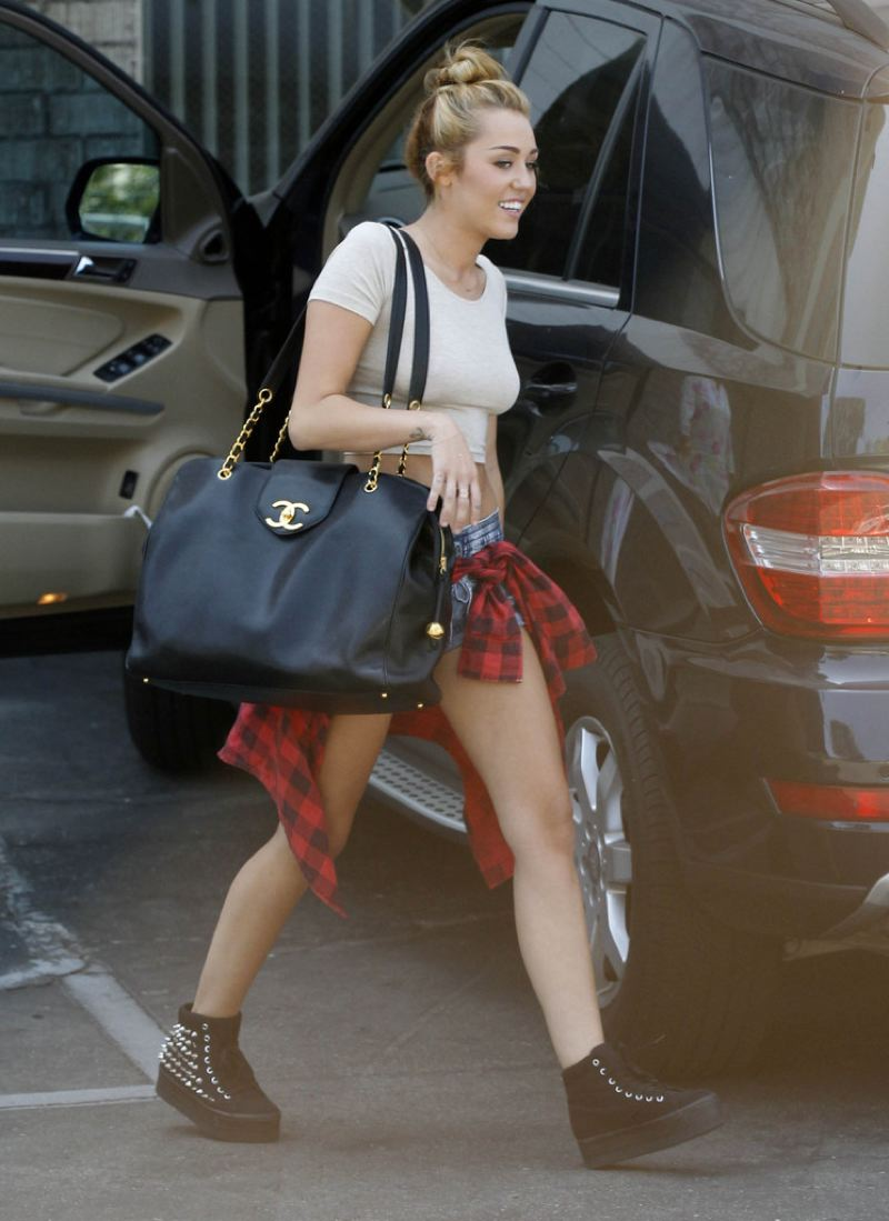 Dear Fashion Diaries: Miley Cyrus street style
