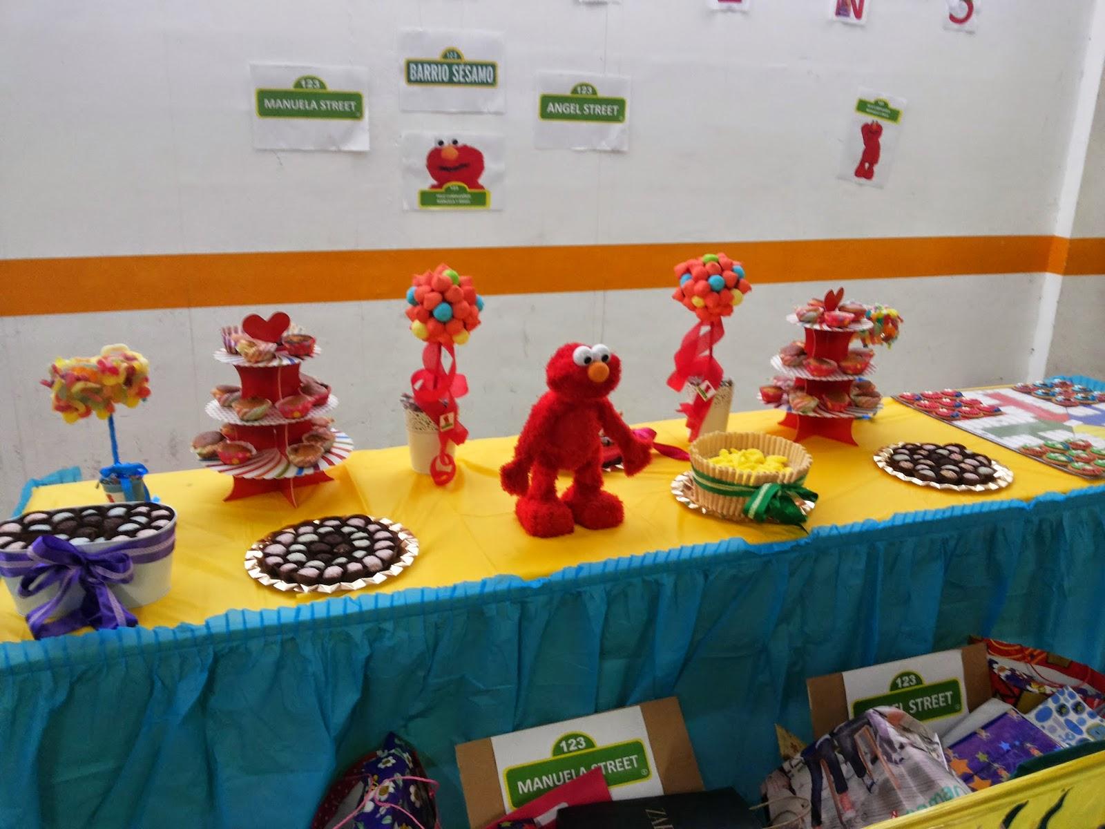 Oncho 39 s cakes galletas decoradas en fondant de barrio s samo for Gradas decoradas