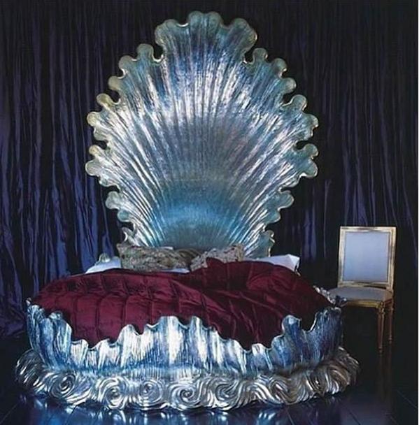 Tempat Tidur Desain Tiram/Kerang