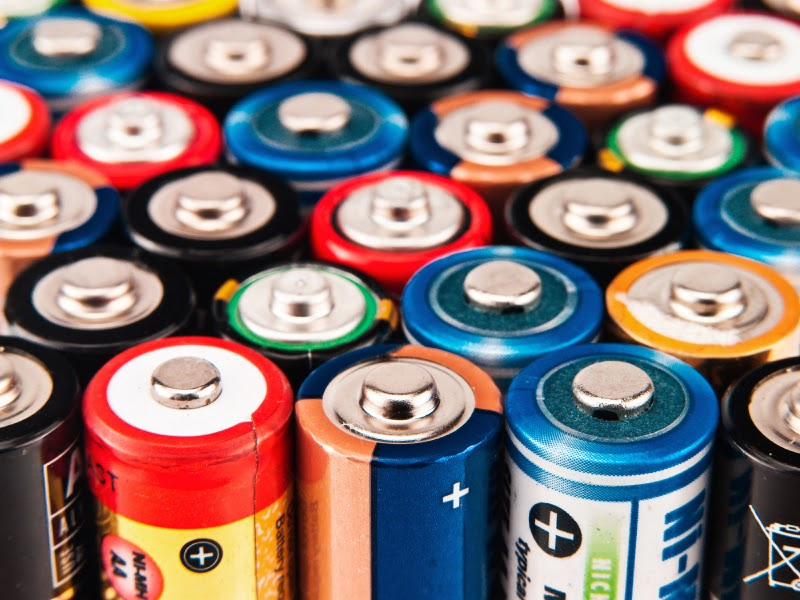 Metal batteries