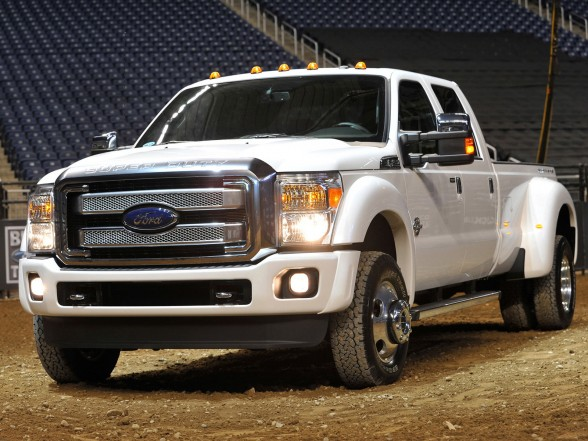 The Exterior Of The Super Duty Platinum Is Lavished In Chrome Including The Door Handles Mirror Caps Running Boards And Exhaust Tip