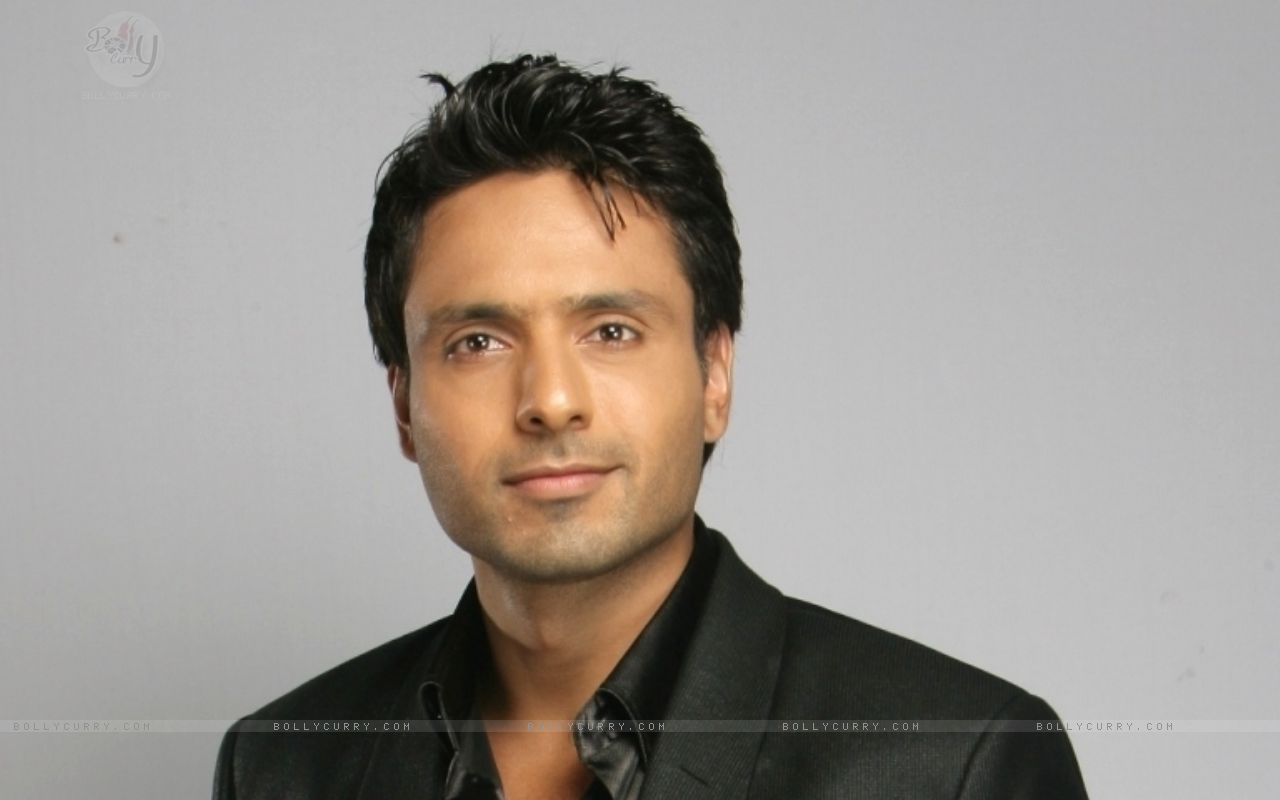 http://1.bp.blogspot.com/-BiAeCS4LgYg/Ta8CYBZnonI/AAAAAAAAG6I/c9iA4Vl-Umw/s1600/104792-iqbal-khan.jpg