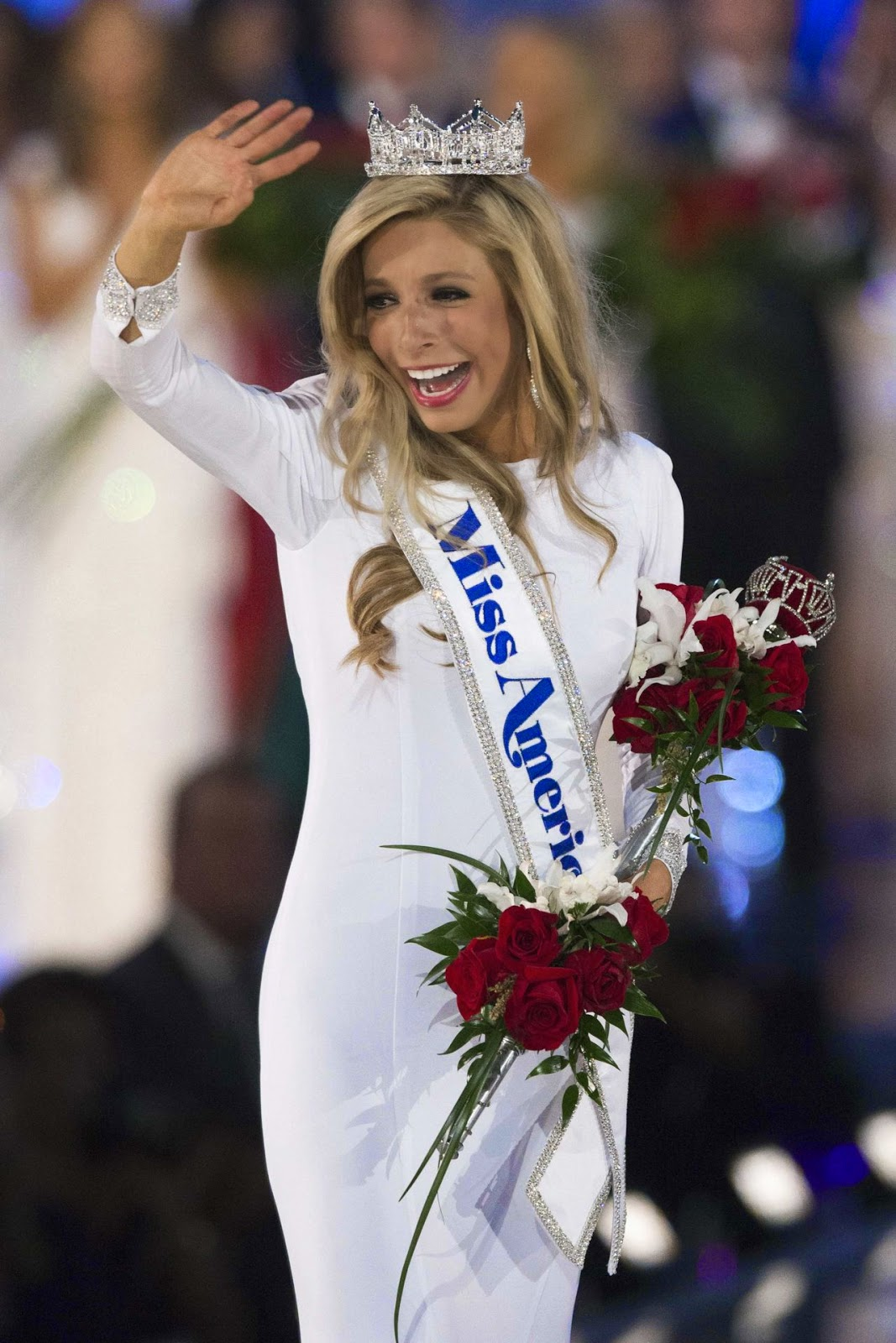New Yorker Kira Kazantsev crowned Miss America 2015