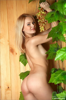 MPLStudios - Talia - Fruit of the Vine 2 - 001