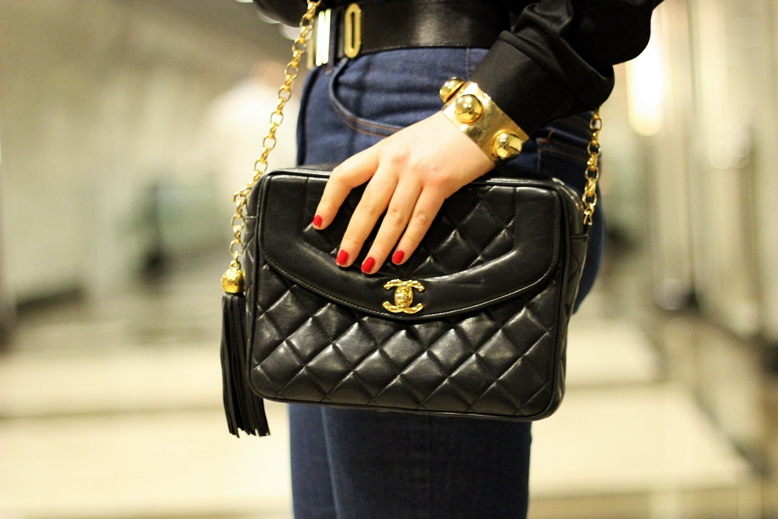 chanel vintage bag black