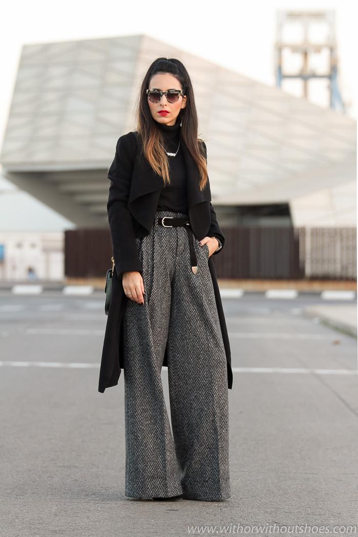 BLogger de moda de Valencia con look elegante estilo personal