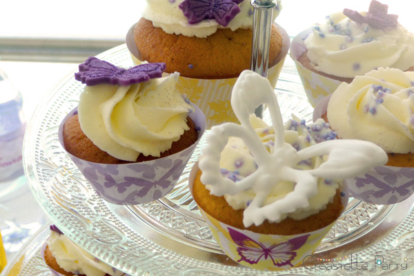 entourages cupcakes sweet table papillon / butterfly cupcakes
