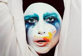Lady Gaga dévoile son nouveau single « Applause »