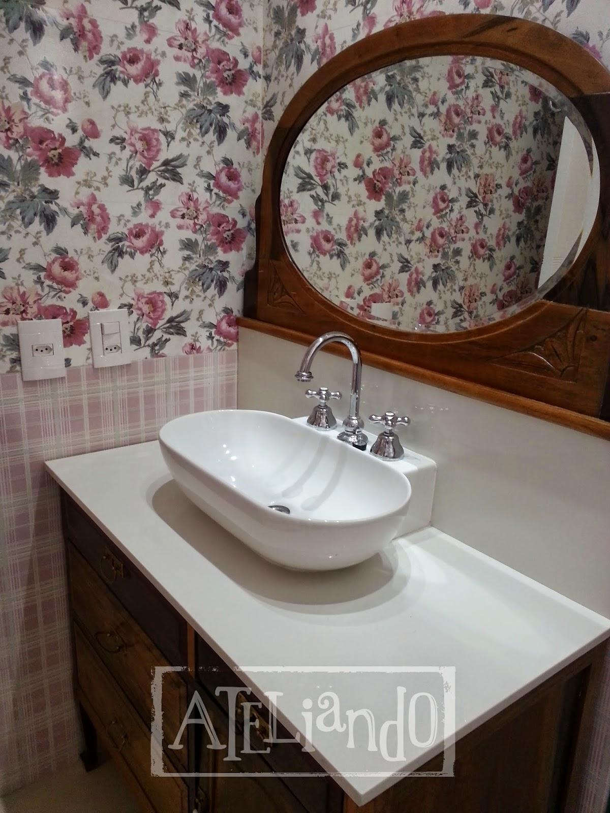 Customização de móveis antigos: Closet e banheiro customizados #322016 1200x1600 Azulejo Listrado Banheiro