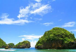 2 Pulau Sempu   Keindahan Pantai Selatan dan Segoro Anakan
