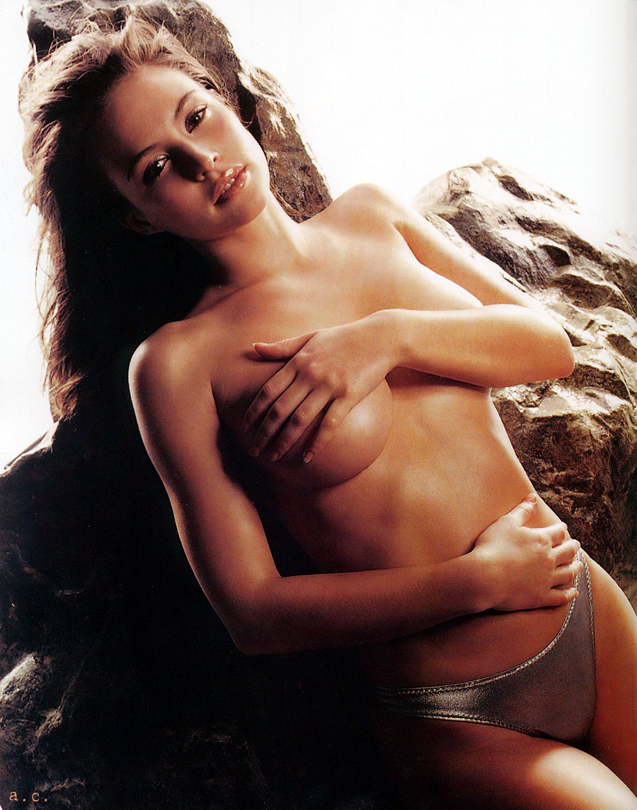 bikini girls cleavage