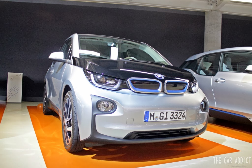 silver BMW i3 Front and BMWi Charging