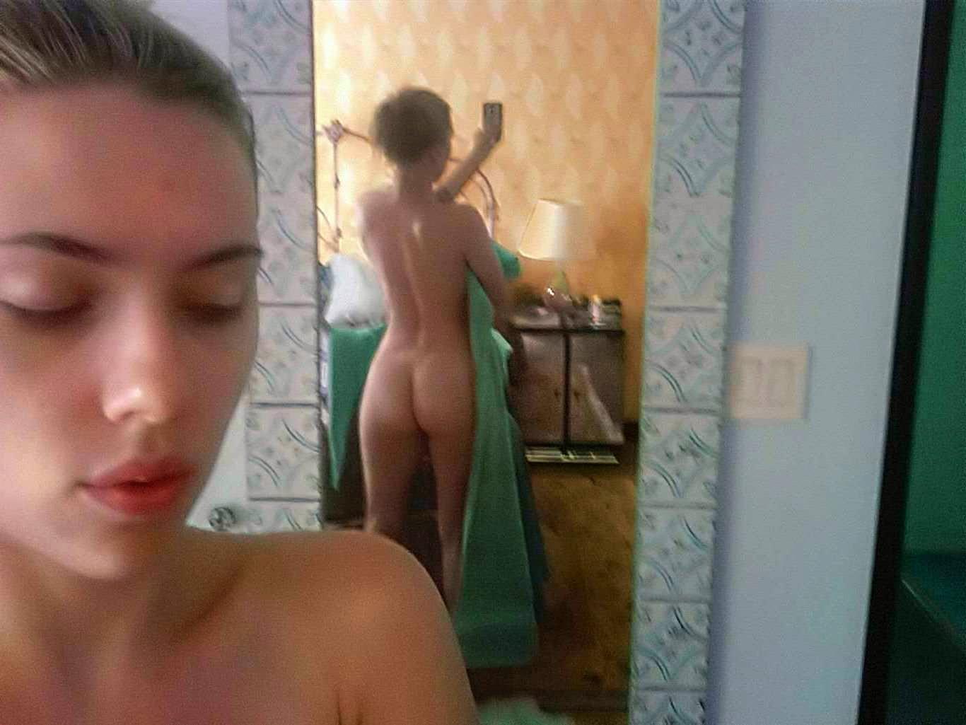 Naked Celebrities Scarlett Johansson In Film