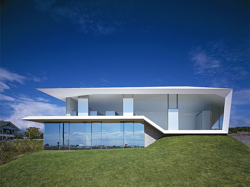 The house white concrete in Japan