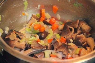 Vietnamese Recipes Vegetarian - Cháo thập cẩm chay