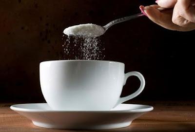 Η ζάχαρη «τοξική ακόμα και σε χαμηλές δόσεις»