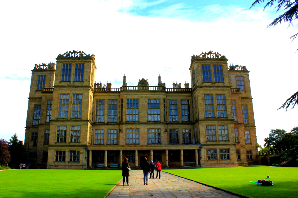elizabethan cottage architecture loveisspeed hardwick hall in derbyshire is an