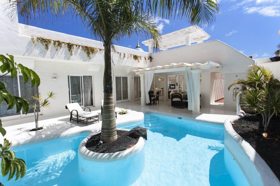 Sin entrar en tu casa festival de cometas fuerteventura for Villas con piscina privada en fuerteventura