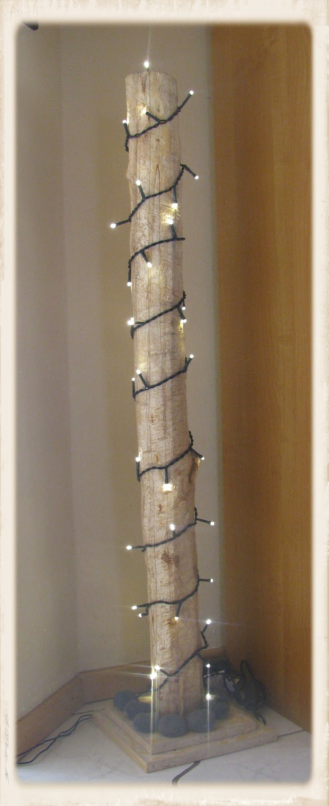 152 basteln mit birkenholz halbierte birkenholz scheiben als rustikale platzhalter schneem. Black Bedroom Furniture Sets. Home Design Ideas