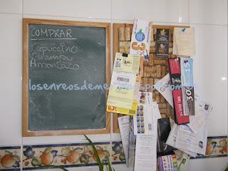Tablón de corchos con notas