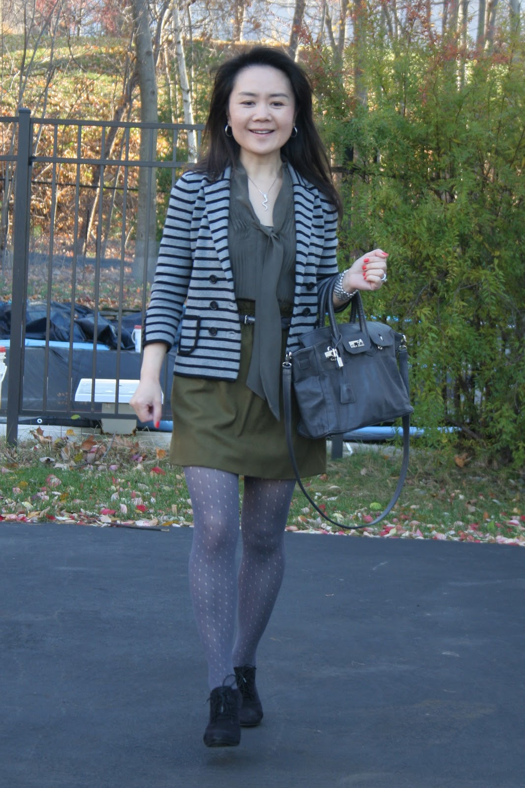7955132c5c6c Vicky s Daily Fashion Blog  OOTD  Holey Tights