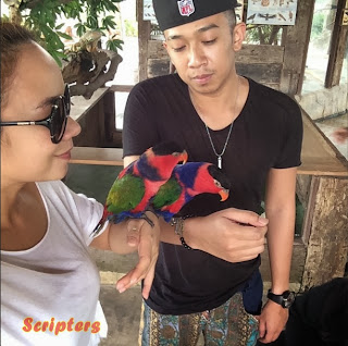 Gambar Nora Danish Bersama Anaknya Di Farm In The City Serdang
