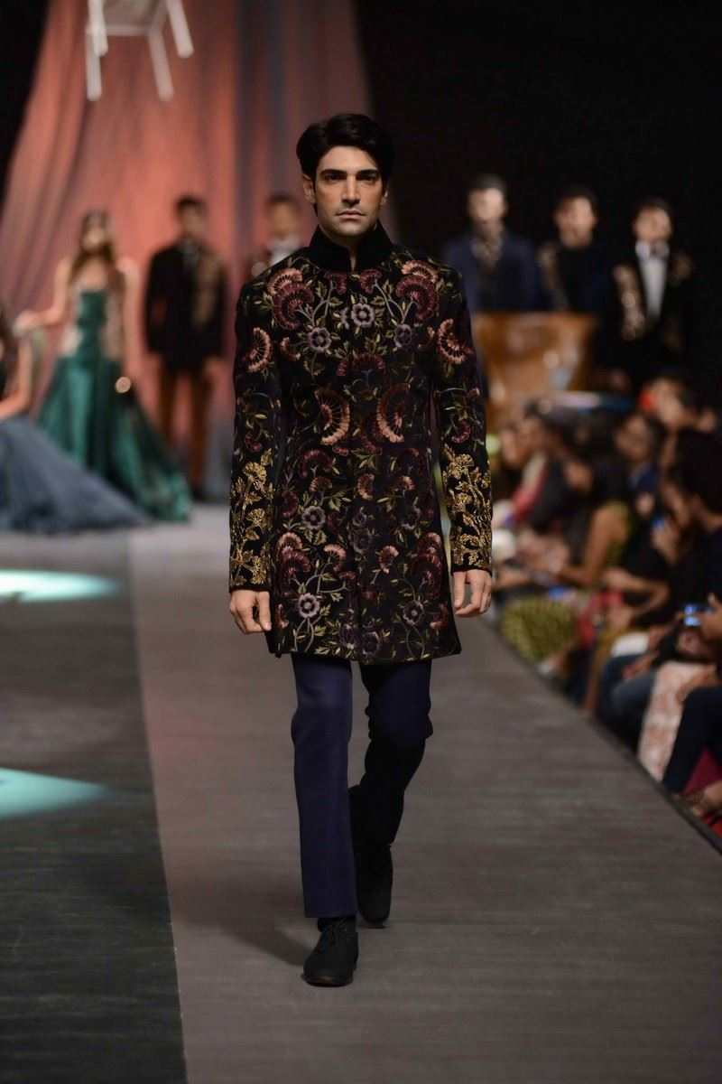Manish Malhotra Fall Winter 2015 Lakme Fashion Week