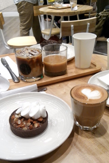 recession coffee, Banana Almond Tart and Cafe Latte