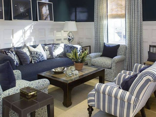 Coastal style hamptons elegance in navy for Gray and navy living room ideas
