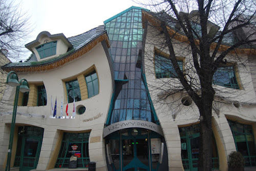 Arquitetura Bizarra - 25 prédios para lá de estranhos...