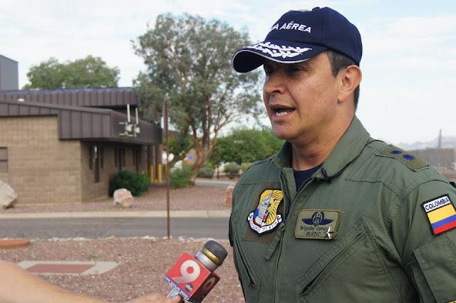 General Carlos Bueno, Comandante de la Fuerza Aérea Colombiana.