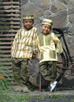 Busana Muslim Anak Terbaru Baju Muslim Untuk Anak Laki-