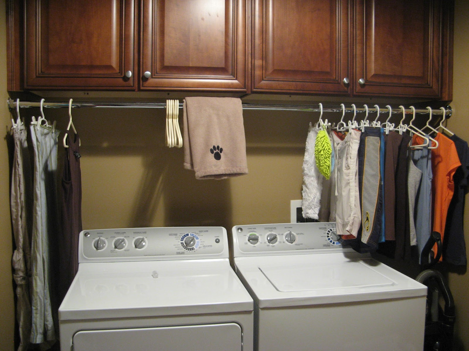 Susan Snyder: 3 LAUNDRY ROOM TIPS