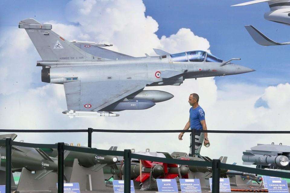 Rafale at the paris air show 2015 errymath for Air show paris 2015