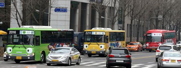 Autobuses de Tayo circulando por Seúl