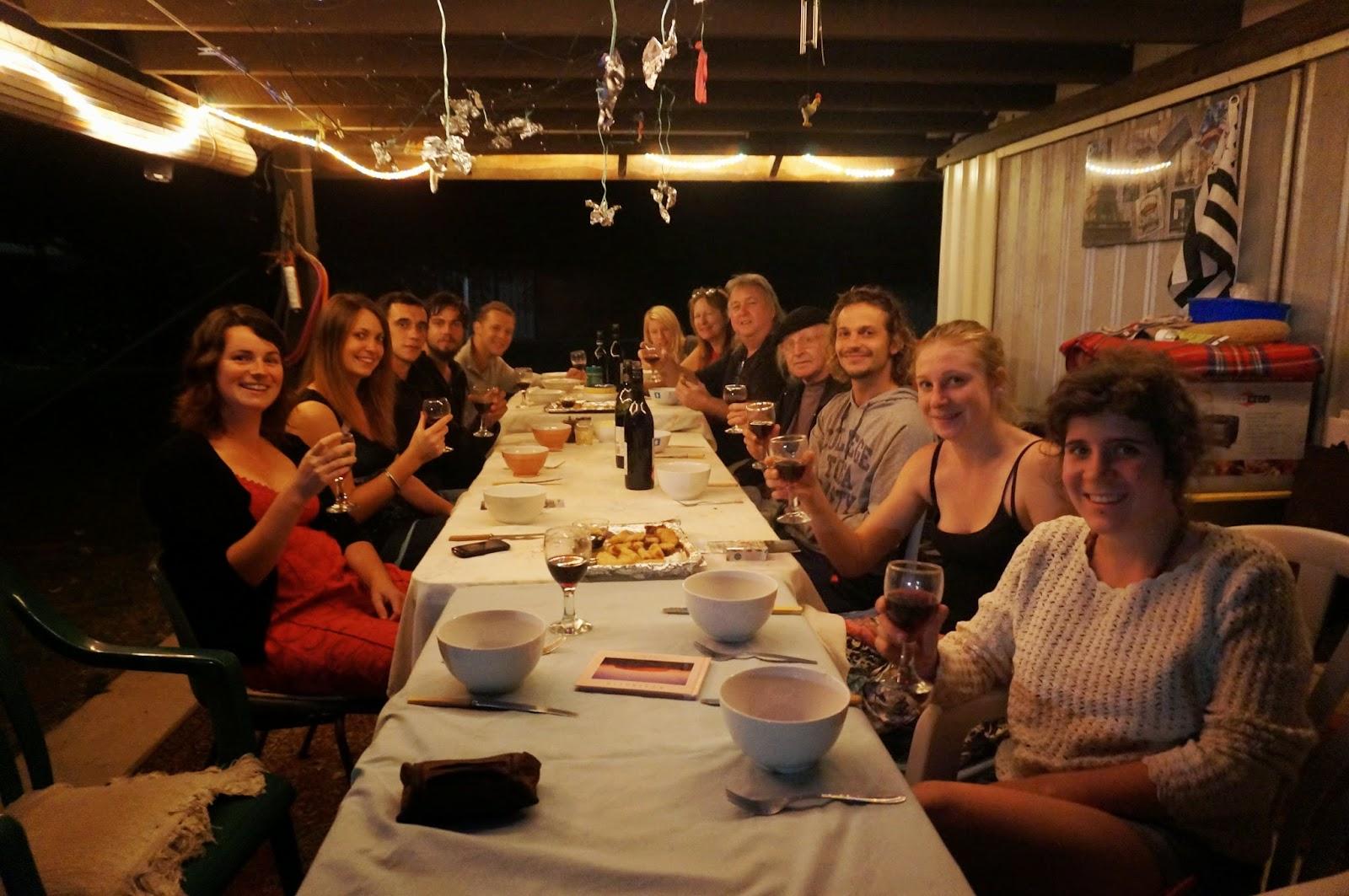 Juju and nina australia travel grosse migale dqns la - Cuisinez avec notre famille ...