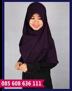 Jilbab segi empat warna hitam
