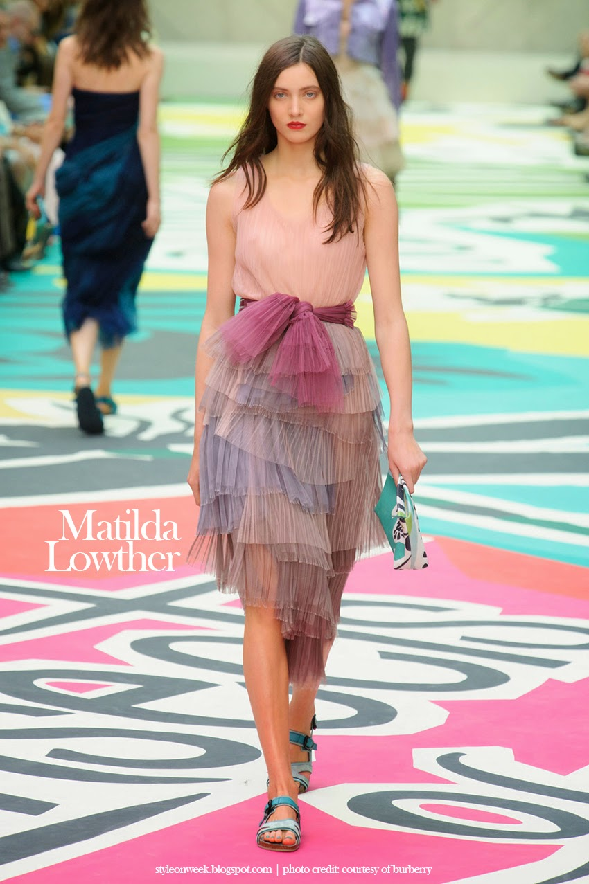 Matilda Lowther at Burberry Prorsum Womenswear Spring-Summer 2015 Collection Look