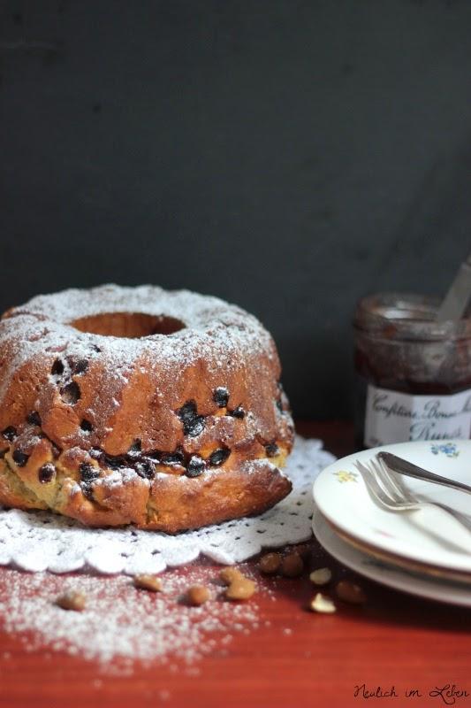 Gugelhupf Elsass elsässischer Kuchen Tradition Kougelhopf Rosinen Hefe