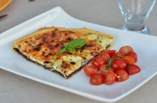 Tarte au fromage blanc, salade de tomates cerises
