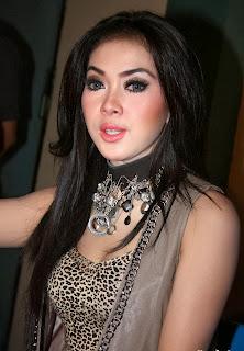 Artis Wanita Tercantik Di Indonesia