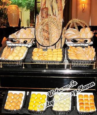 joel robuchon bread trolley resort world sentosa