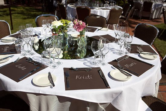 above love these chalkboard place mats ideal if either the bride or groom is a teacher theyre easy wedding diy as well get your local diy shop to