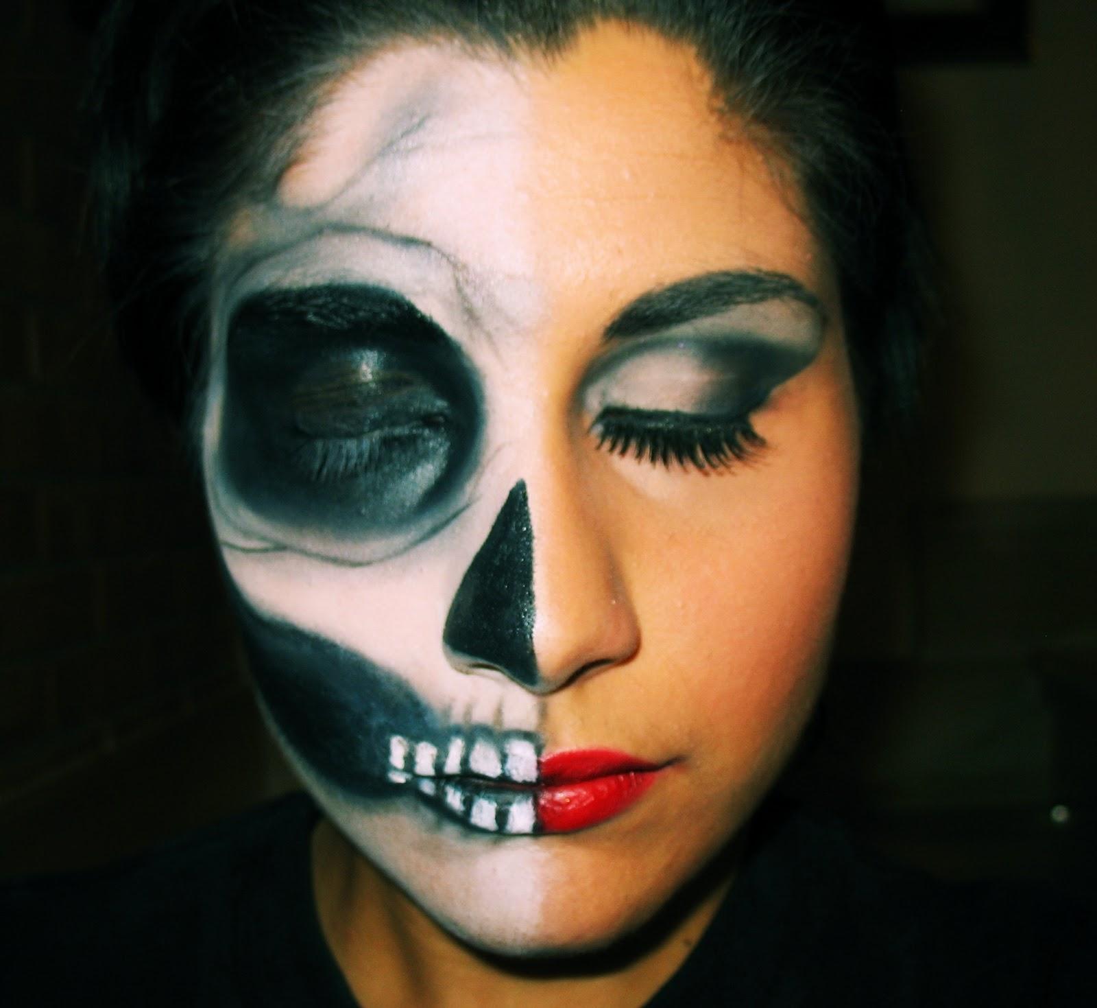 Top Cecily makeup: Make up - Half Skull - Halloween 2011 KL03