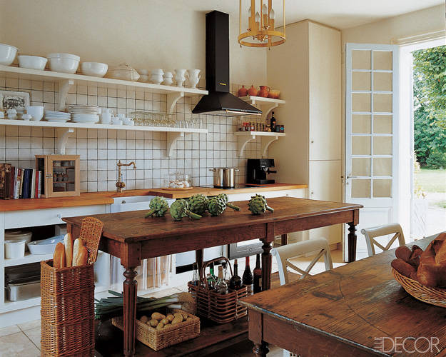 Fabulous farmhouse kitchens a trending style in natural for Country rustic kitchen ideas