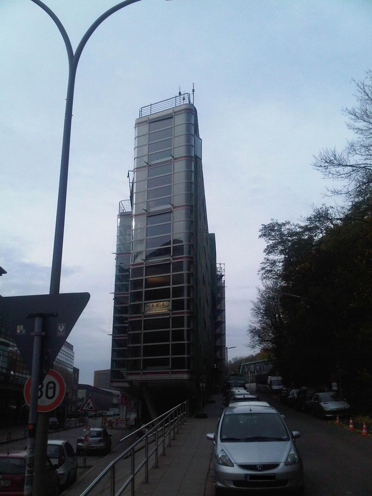 Unteres Ende Elbberg - Bürogebäude